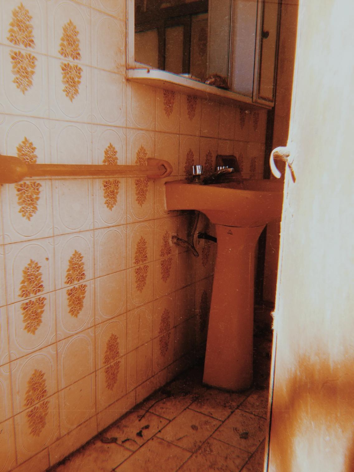 Photography Orange Aesthetic Grunge Bathroom Places Vsco Vscocam Money Over Fecas Vsco